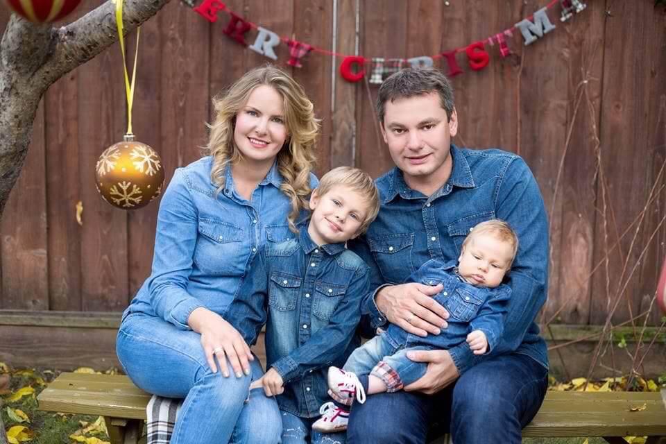 Анна Лазарева с мужем и детьми. Фото из личного архива