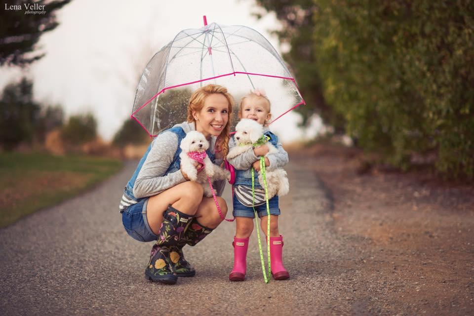 Спец в экономном шоппинге Татьяна Монтгомери с дочерью Эллисон. Фото Лены Веллер