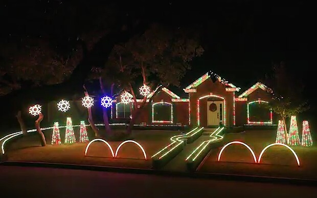 A family from Texas won the YouTube light show for Christmas. VIDEO ...