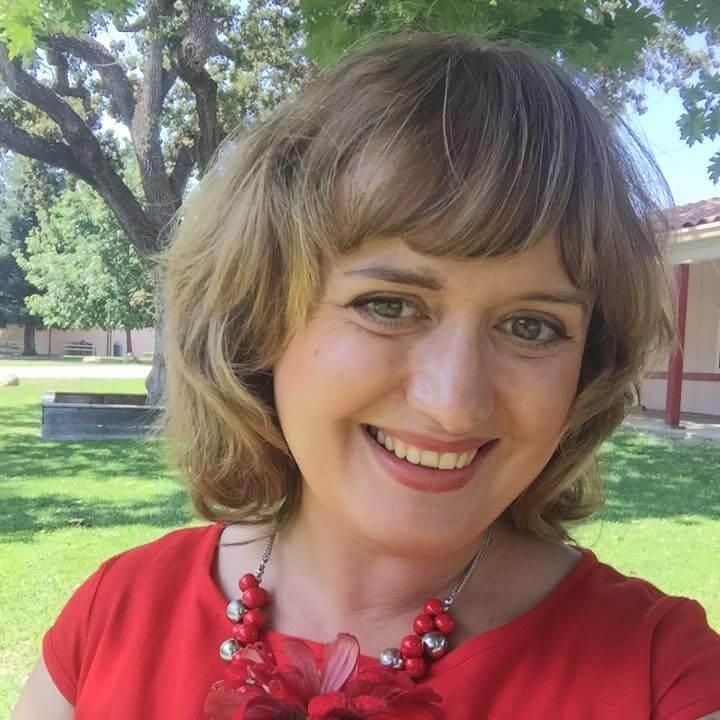 Психолог по образованию Мария Оксюк считает, что не стоит отдавать детей в садик совсем маленькими. Фото из личного архива