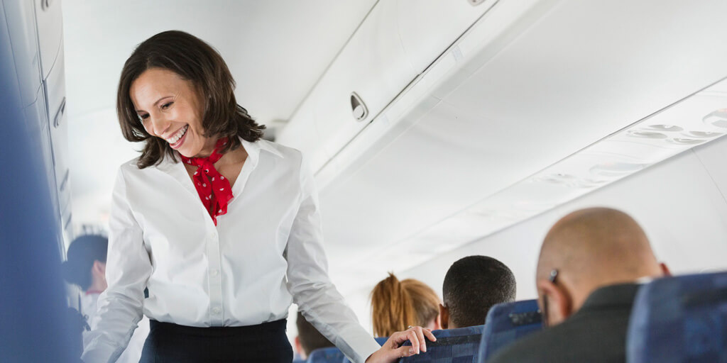 Сфера влияния стюардесс намного шире, чем могут подумать пассажиры. Фото: onetwotrip.com