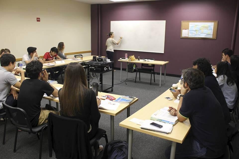 Solex College принимает около двух тысяч иностранных студентов в год. Фото facebook.com/solex.college