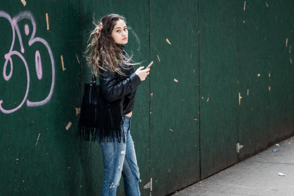 Первую работу и жилье русскоязычные девушки всегда могут найти на Брайтоне. Фото Павел Терехов