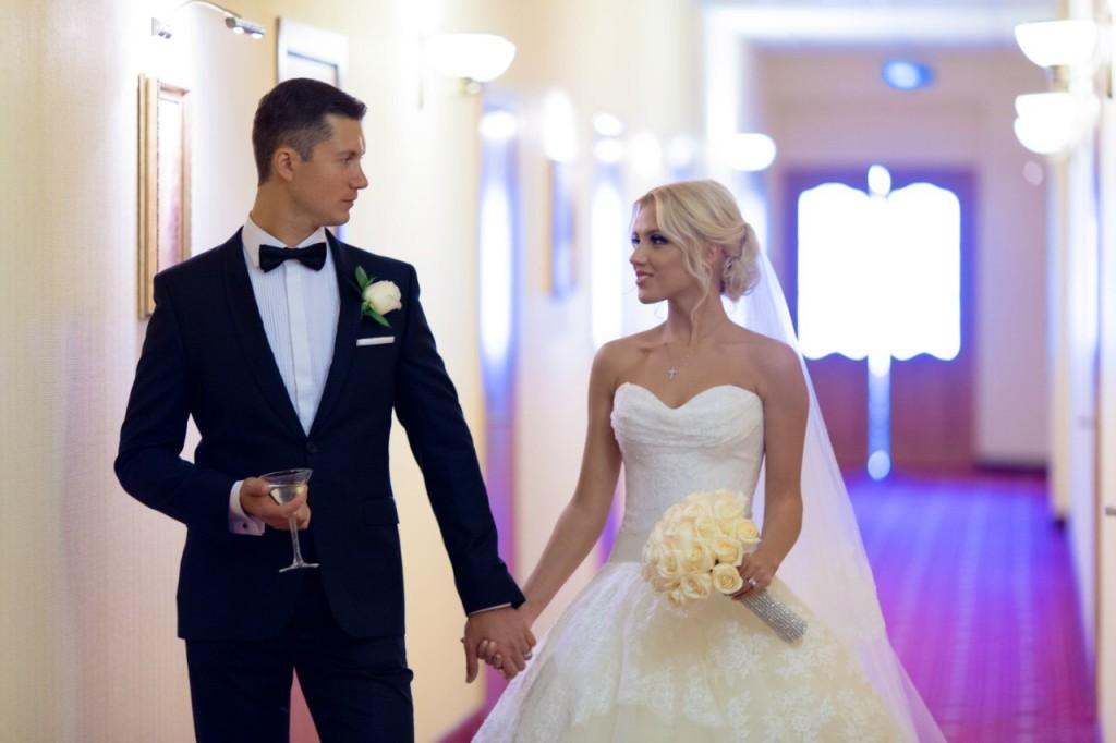 Руслан и Мария Мешковы в день свадьбы в Екатеринбурге. Фото из личного архива.