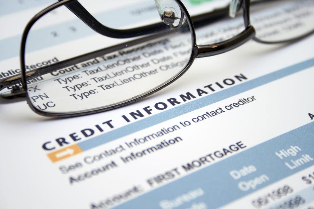 Для того, чтобы быть полноценным членом общества, вам нужно иметь хорошую кредитную историю. Фото: depositphotos.com