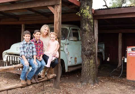 Джо Хершен со своими детьми. Фото из личного архива.