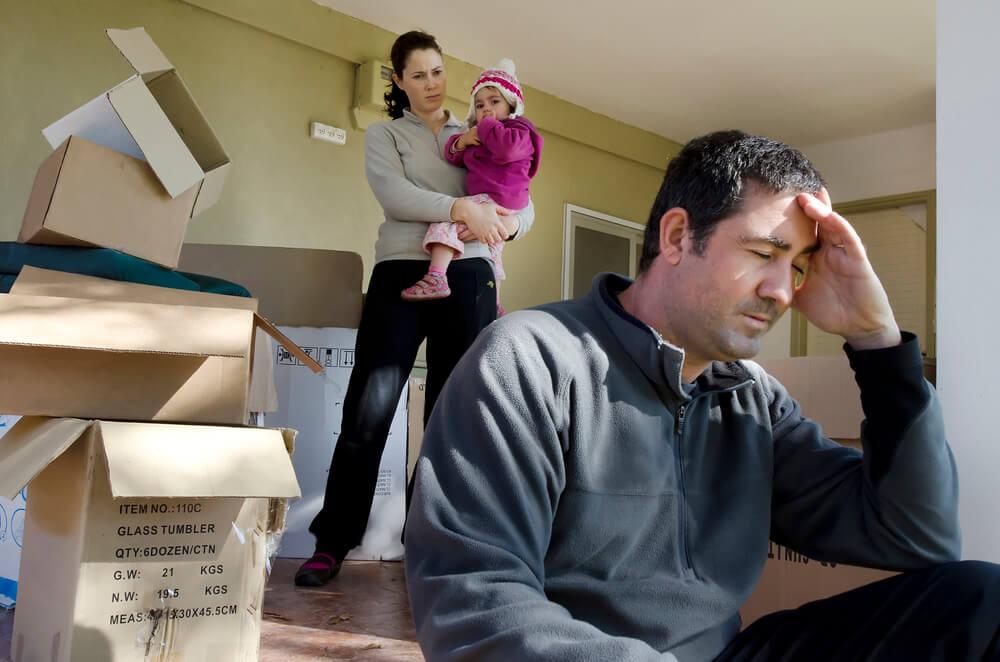Развод муж может ли продать квартиру