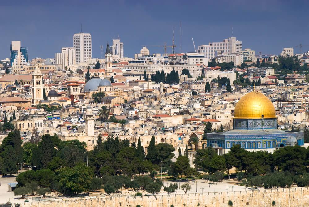 Старый город считается святым местом для иудеев, христиан и мусульман. Фото: depositphoto