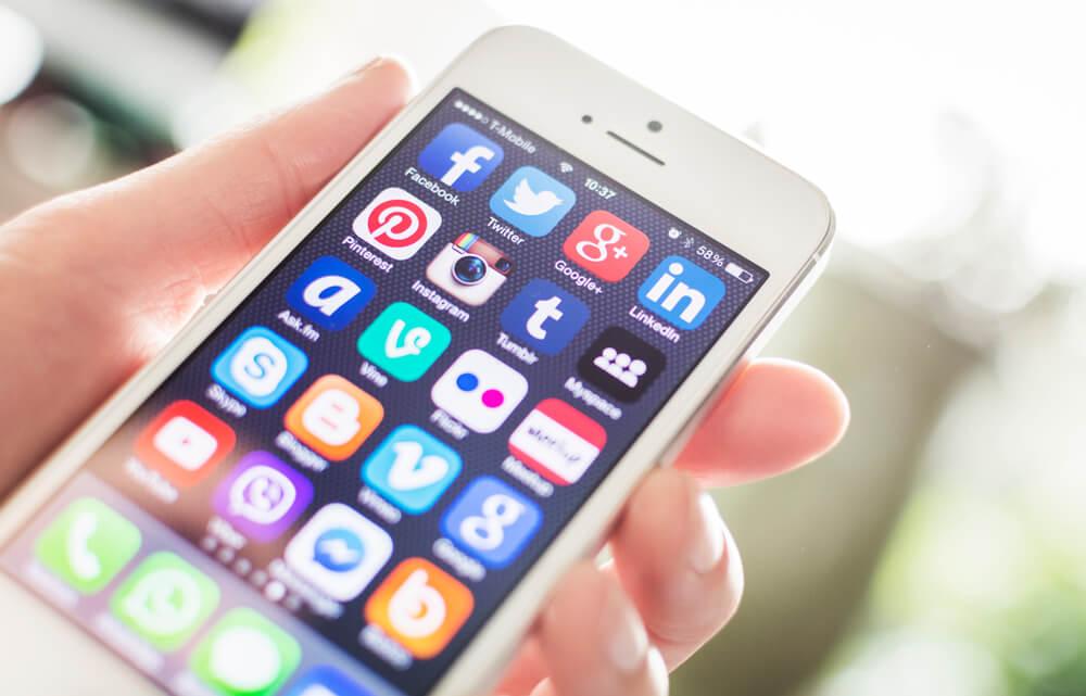 Ужелающих посетить США иностранцев начинают запрашивать информацию опрофилях в социальных сетях