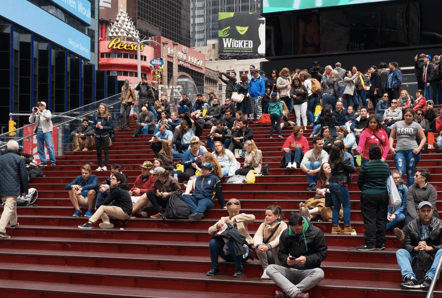 Люди в Нью-Йорке. Фото: Depositphotos