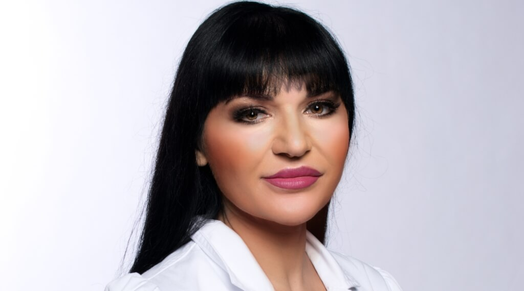 Рубина Райт считает, что лазерное удаление волос - это очень нужная бьюти-процедура. Фото: из личного архива Рубины Райт
