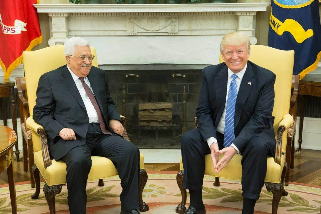 AP: США разрешили представительству Организации освобождения Палестины продолжить работу