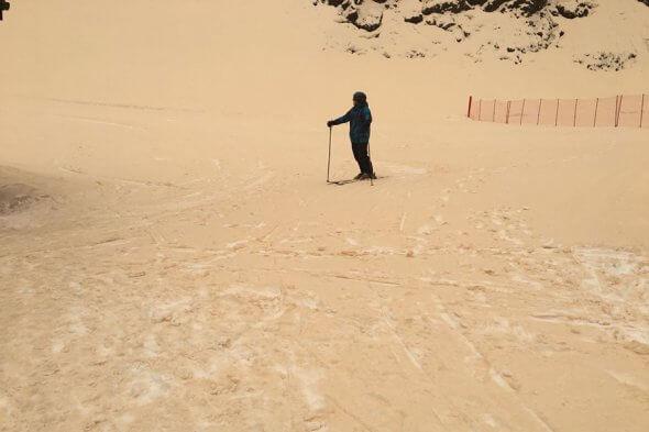 ВАджарии выпал красный снег