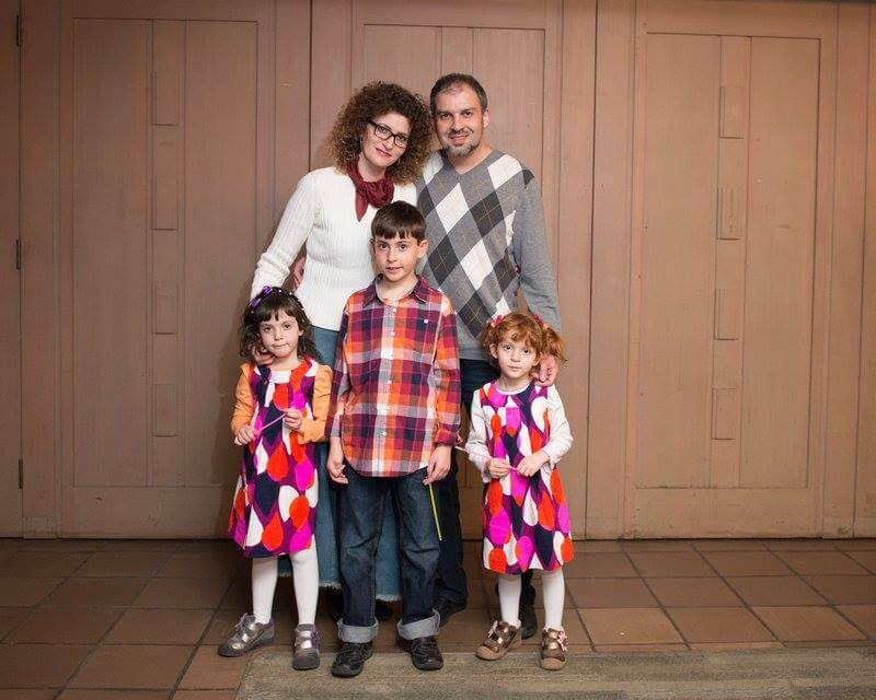 Анна и Игорь Верник со своими детьми. Фото из личного архива Анны Верник