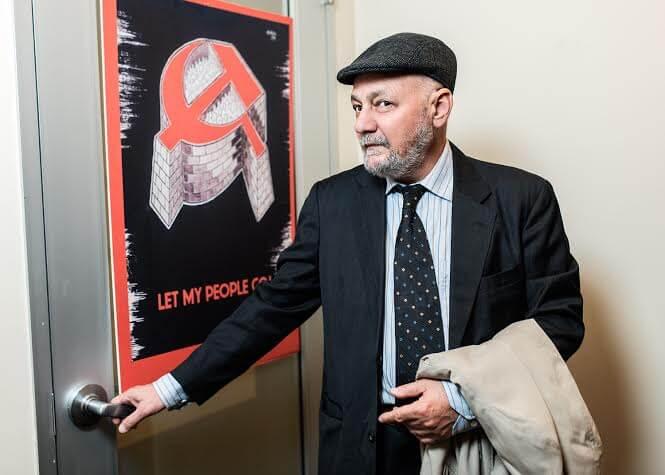 Dr. Sam Kliger at the door of his office Photo: Pavel Terekhov
