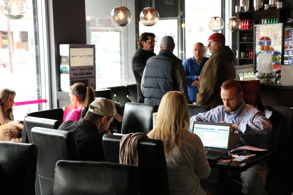 В баре Германа Мисони часто проходят деловые встречи. Фото Дениса Чередова