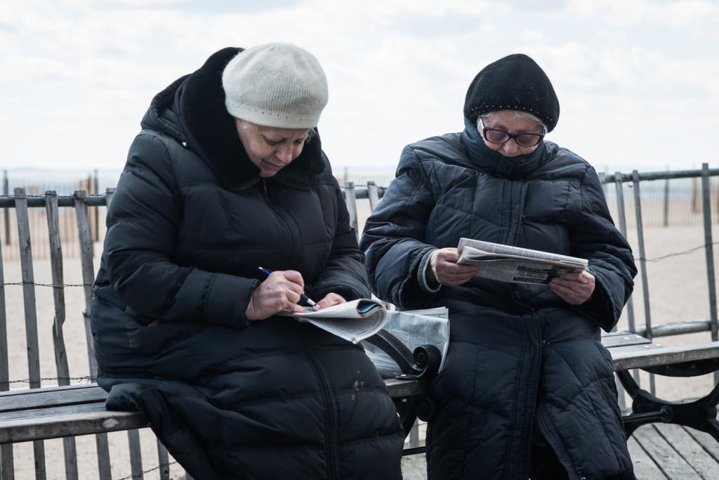 На набережной Брайтон Бич всегда можно встретить местных жителей. Фото Павел Терехов