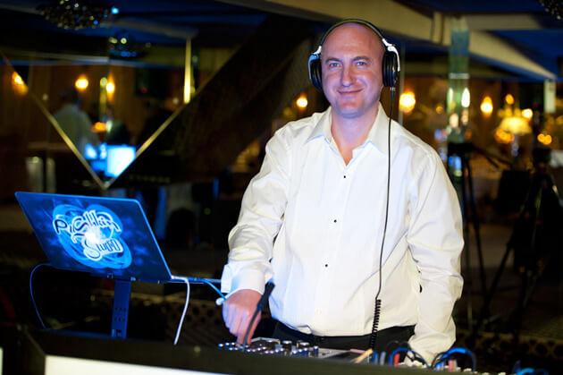 Для свадьбы Алексей Коган может подобрать любую музыку. Фото из личного архива