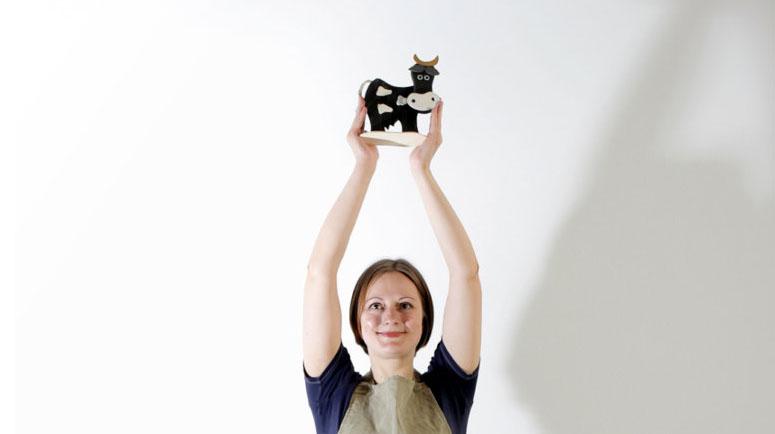 Мне «запал в душу» один из советов: если вы хотите убрать негативную энергию из своего дома, вымойте пол с добавлением коровьего навоза. Фото из личного архива