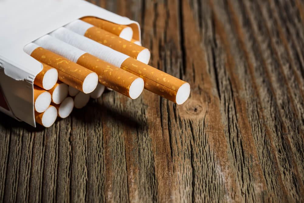продажа табачных изделий с 21 года