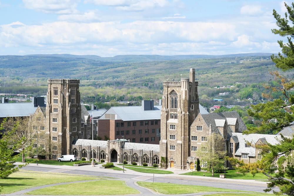 Корнелльский университет. Фото: depositphotos.com