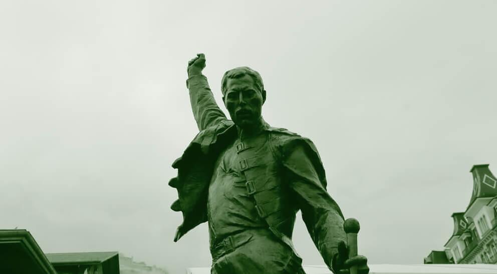 Памятник Фредди Меркьюри в швейцарском городе Монтре. Фото: depositphotos