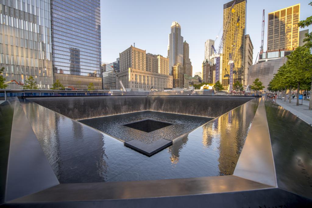 Национальный мемориал и музей 11 сентября, расположенный на месте башен-близнецов. Фото: depositphotos