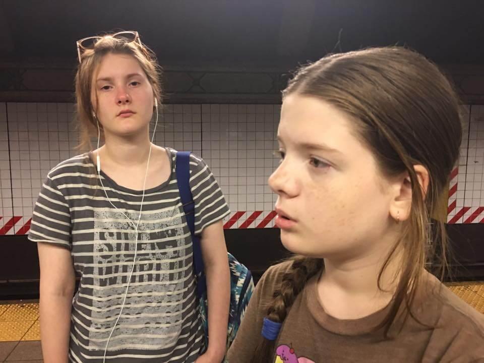 Старшая дочь Александра и младшая Ольга. Фото автора