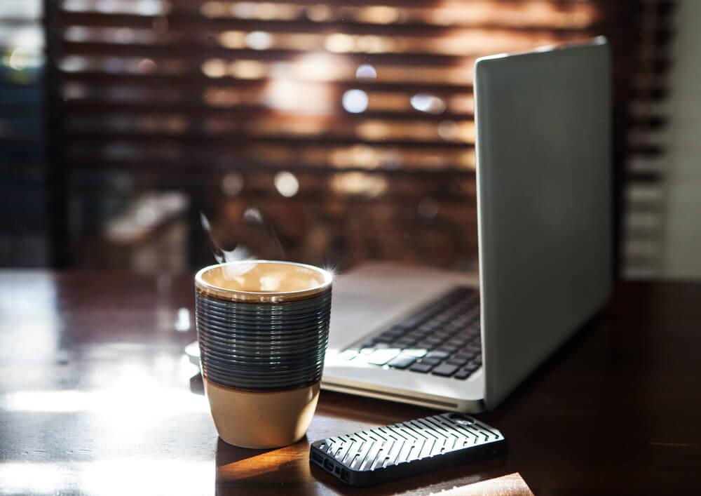 Домашний кофе сохранит ваш бюджет. Фото: deposiphoto