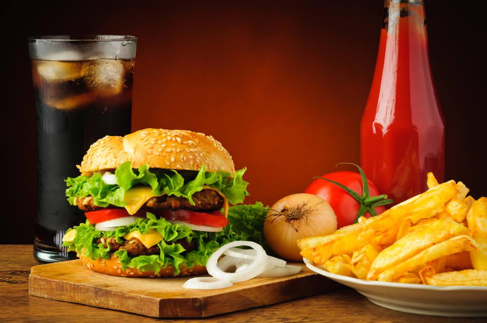 """Рестораны в США искажают понятие """"здоровой еды"""" Фото: depositphotos.com"""