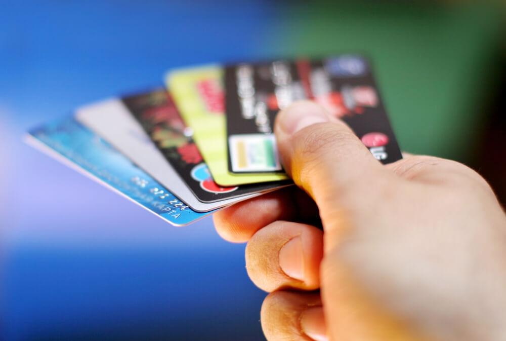 Скидочные карты сэкономят до $5. Фото: depositphoto