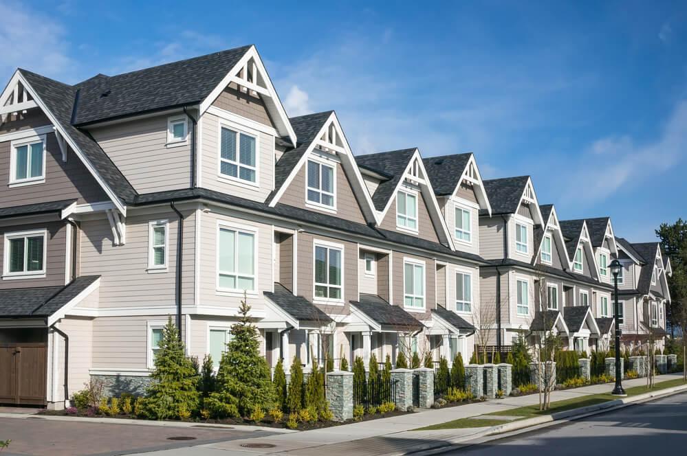 В разных частях страны популярные сезоны покупки жилья отличаются. Фото: depositphotos.com