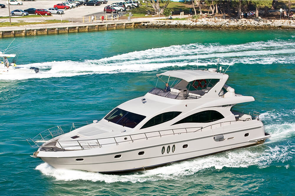 Новый год можно встретить на яхте. Фото: из личного архива Aveida events