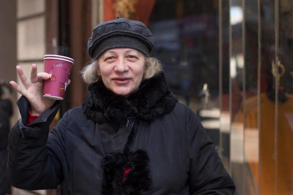 Москвичка Людмила Клебанова может часами рассуждать о политике. Фото: Денис Малинин