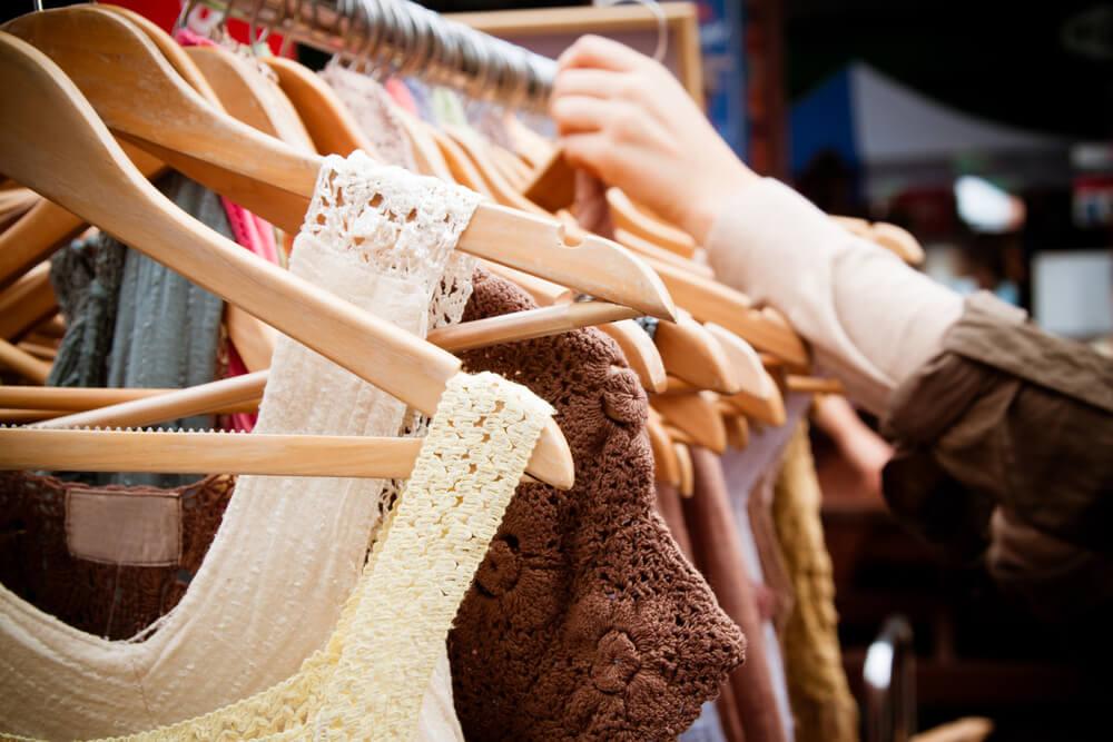 """Одежда - в числе горячих предложений на """"черную пятницу"""". Фото: depositphoto"""