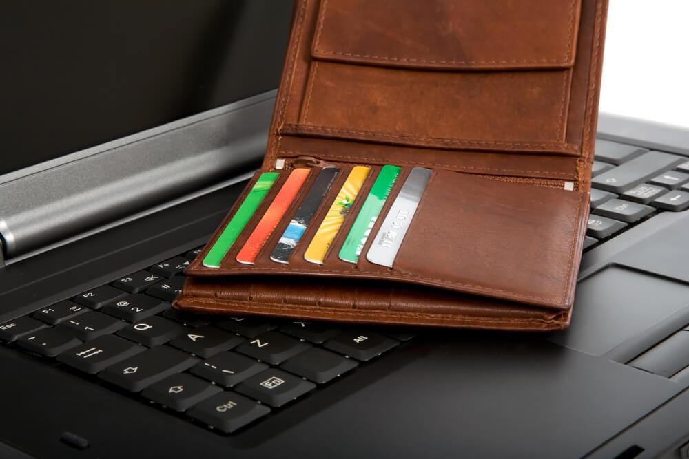 В кибер-понедельник цены могут опуститься еще на 10 процентов. Фото: depositphoto