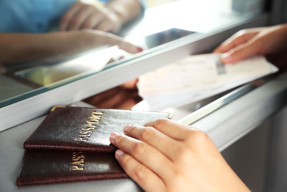 Паспорт может понадобиться даже тем, кто не выезжает из США. Фото: Depositphoto