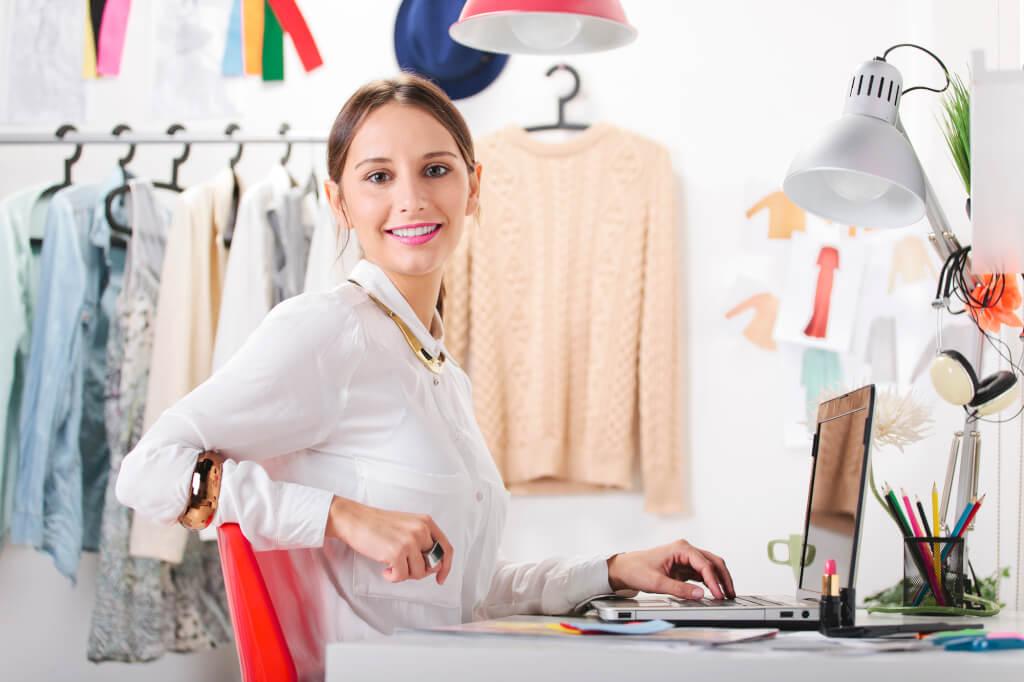 Бьюти-копирайтер может работать дома и зарабатывать от 40 тысяч долларов. Фото: depositphotos.com