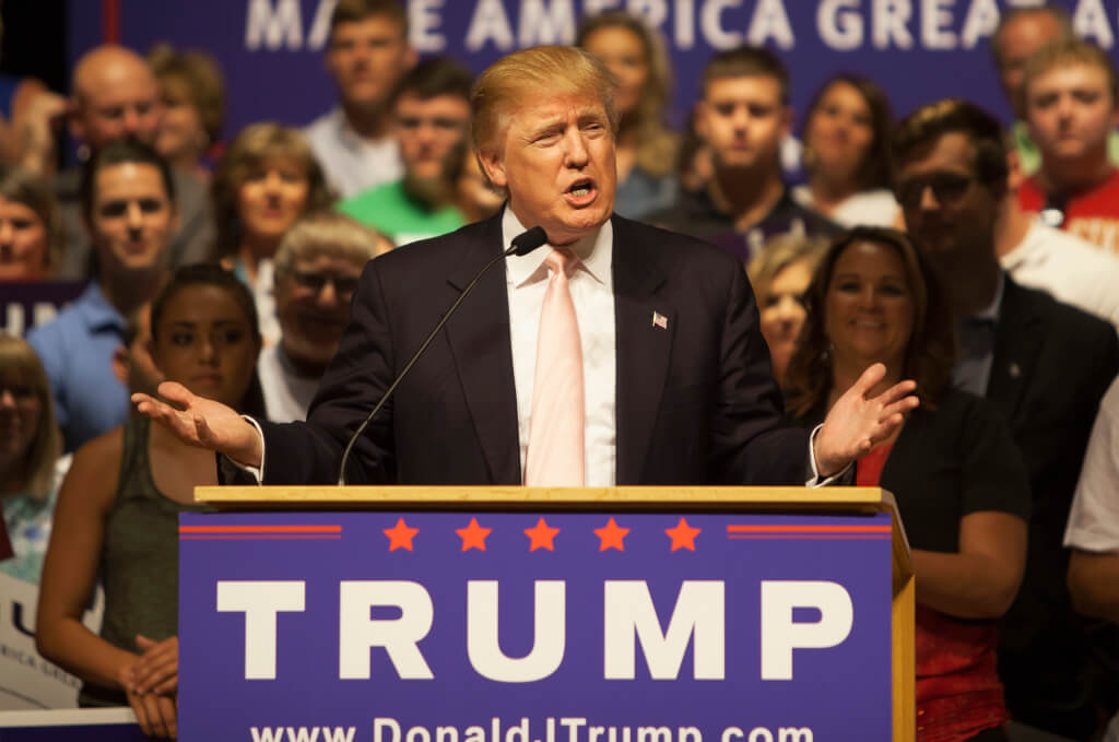 Дональд Трамп хочет отменить 14 поправку к Конституции. Фото: depositphotos.com
