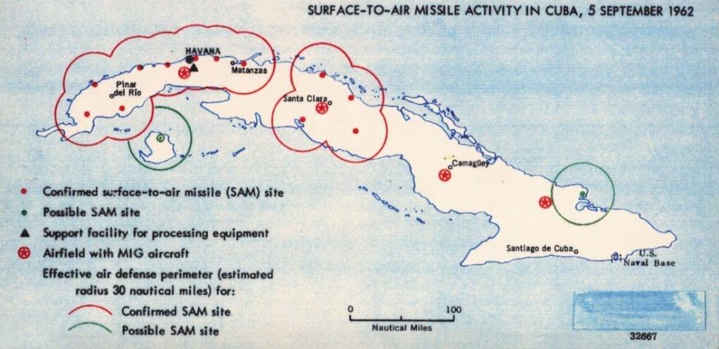 1962 год. Карта Кубы времен Карибского кризиса с обозначением советских ракетных установок и радиусов действия систем ПВО — как предполагаемых, так и достоверно подтвержденных. Фото: ЦРУ