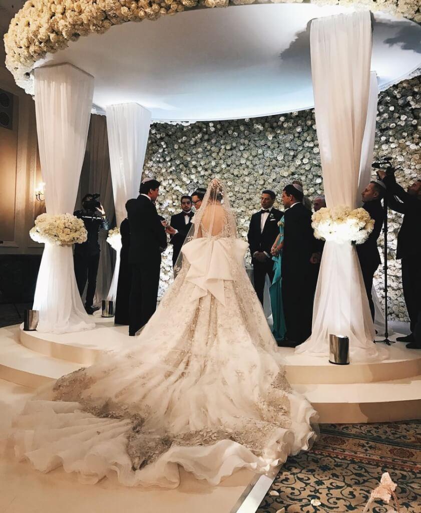 19-летняя Ирина Коган вышла замуж за своего возлюбленного Дэниеля Кенвэя. Фото: Instagram
