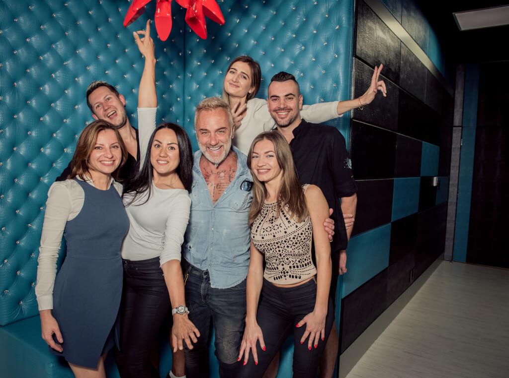 Русскоязычные мастера из Москвы обслуживают звезд уровня Джанлуки Вакки. Фото: из архива Fashion Point