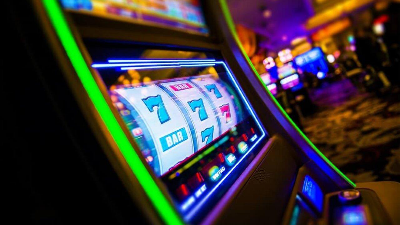 Как называются игровые автоматы в казино казино калигула система