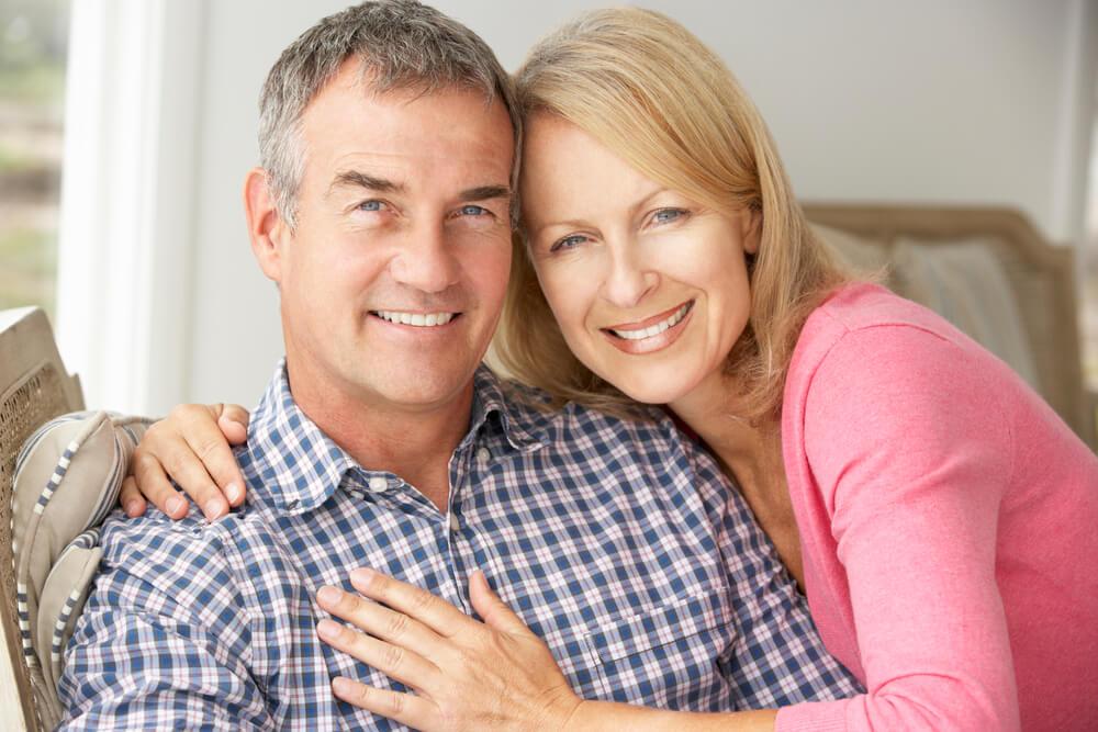 Зрелый мужчина и женщина, пухлая пизда у шалавы