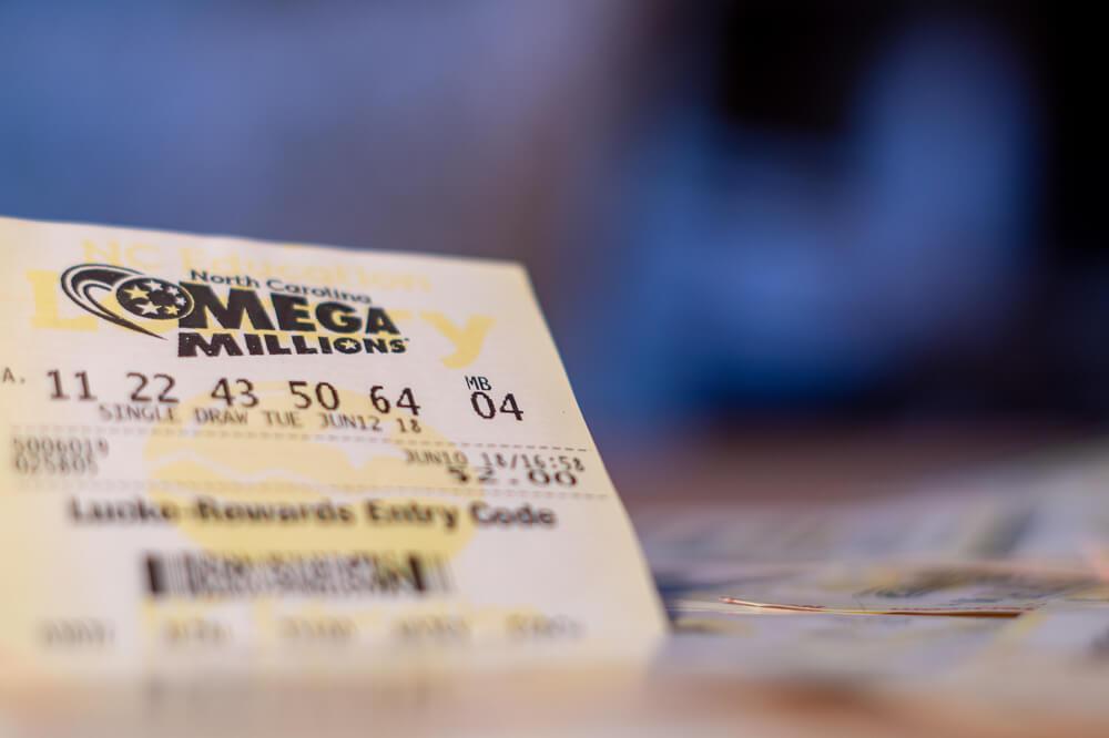 Играть казино online besplatno