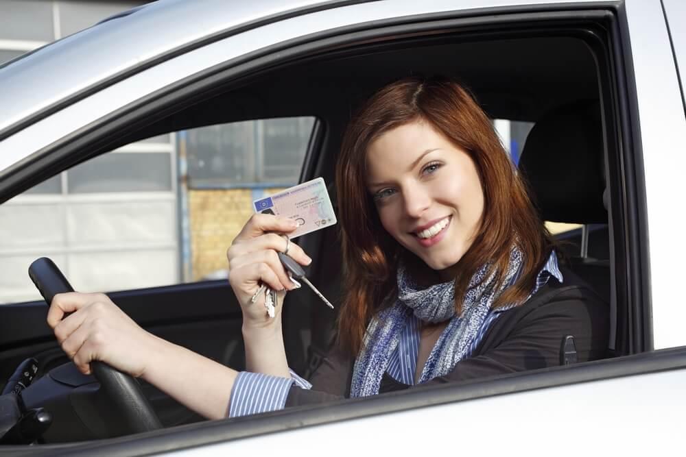 Праздником, с правами вождения открытка