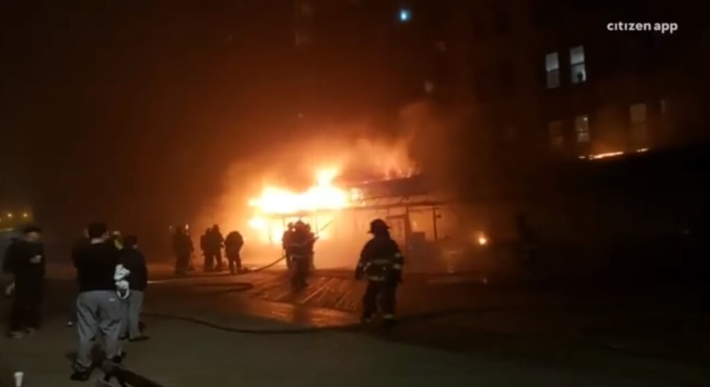 In Brooklyn, there was a fire in a Russian restaurant  VIDEO