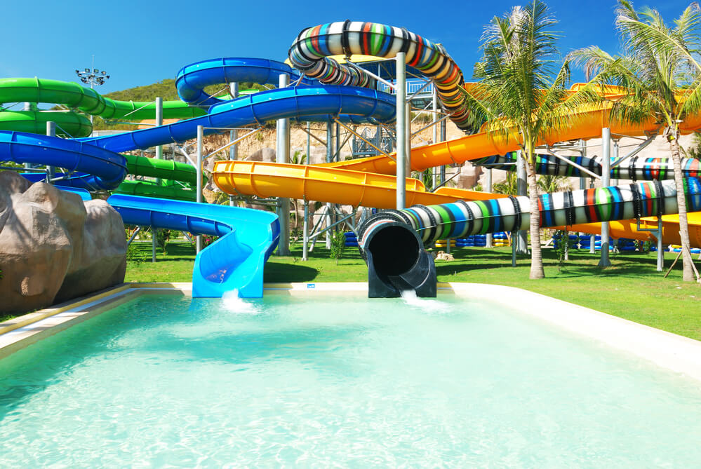 Texas teen dragged into a sink at a water park - ForumDaily